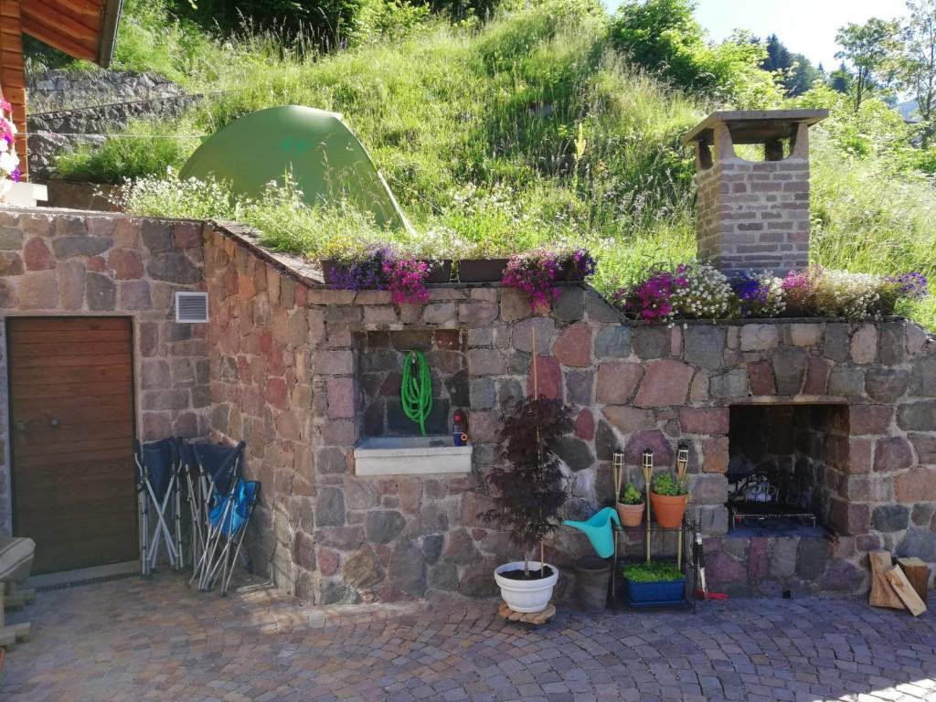 baita del contadino Valle dei Mocheni esterni